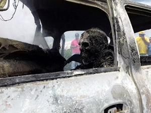 Corpo do Motorista carbonizado dentro do carro