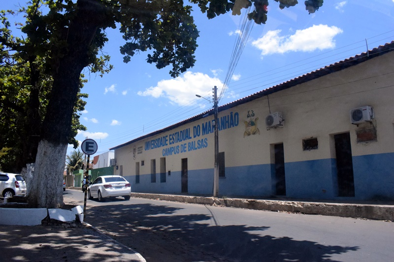 UEMA Campus / Balsas