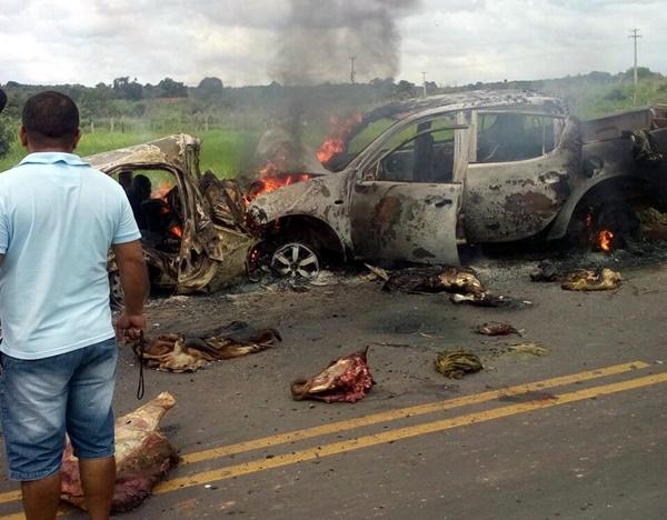 carro pega fogo em Sitio Novo (MA)